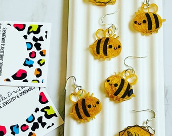 Happy Bee Dangly Earrings - Perfect for Bee Lovers!