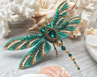 Green dragonfly pin brooch handmade, summer jewelry, luneville embroidery, insect brooch, beads embroidered butterfly jewelry, gift for her.