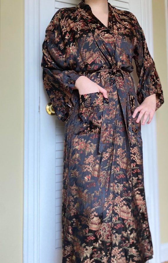 1940s Black And Gold Silk Robe