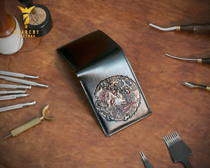Present Hand-Painted Handmade Hand-Tooled Men/'s Wallet Custom Wallet Personalized Wallet Hannya Wallet Hand-Carved Gift