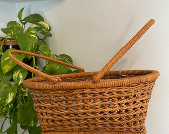 Vintage Wicker Carrying Basket