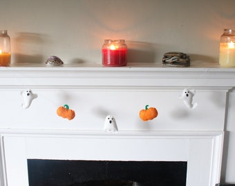 Halloween Felt Sewing Kit. Ghosts and Pumpkins. Beginners Sewing Kit