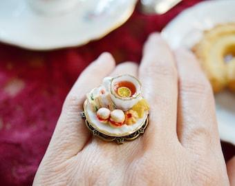 Royal Tea - Tea Hour - Ring - Scones - Tramezzini - Miniature English Sweets