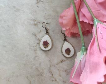 Rose bud pressed flower earrings, real flower drop dangle earrings, floral earrings dangle, woodland earrings, bohemian girl