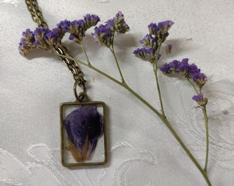 Square purple flower pendant,  real pressed flower necklace, bridal necklace, boho jewelry, botanical jewelry, dried flower necklace
