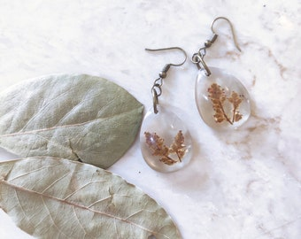 Pressed flower earrings, real flower drop dangle earrings, floral earrings dangle, woodland earrings, botanical jewelry