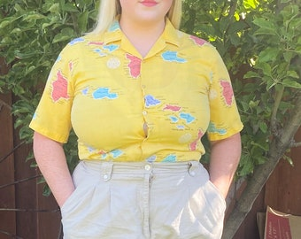 Vintage Button Up with Map of Hawaiian Islands | Vintage Hawaiian Button up | Size Large Size Medium