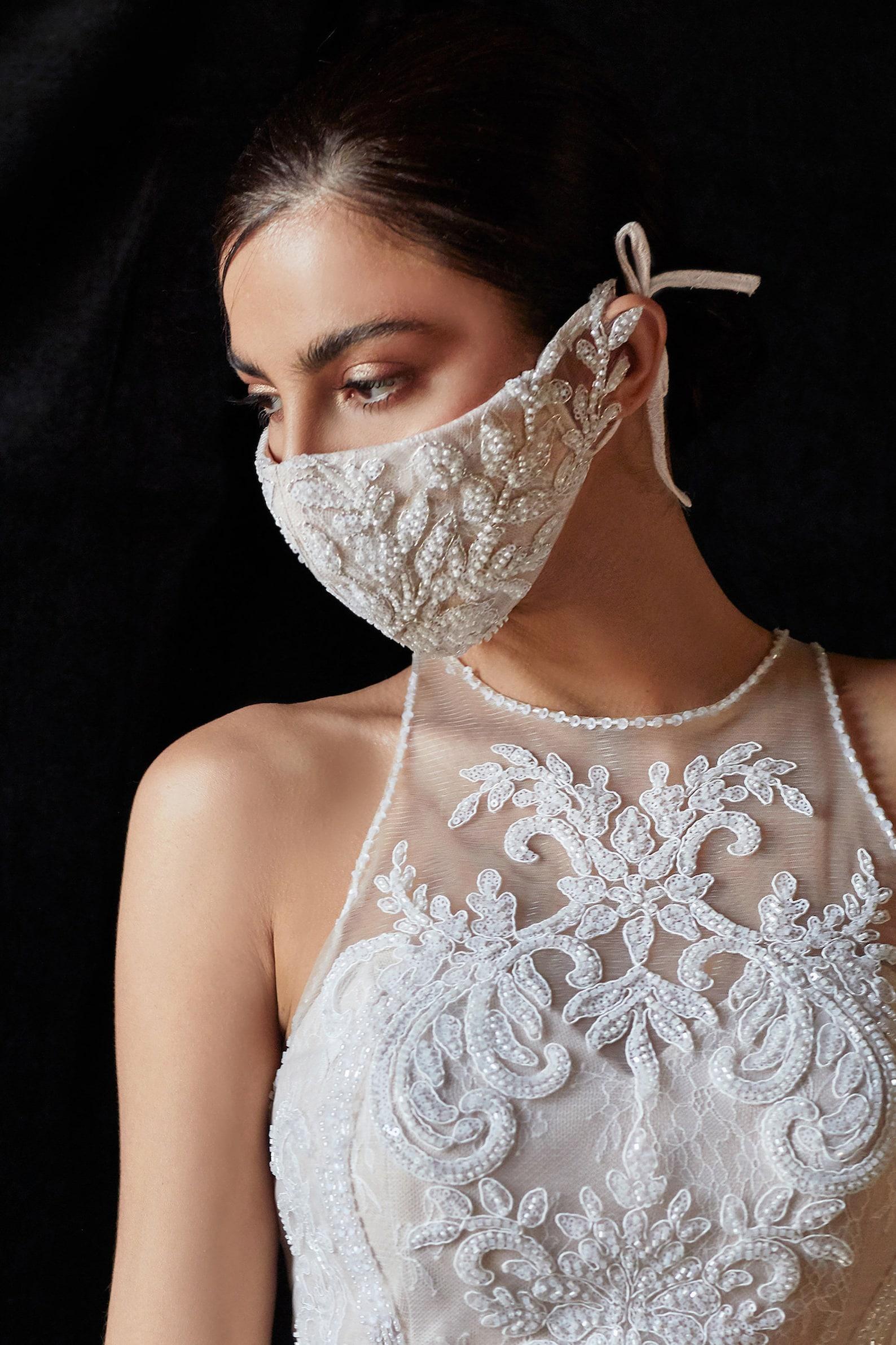 Brautmaske mit Perlen