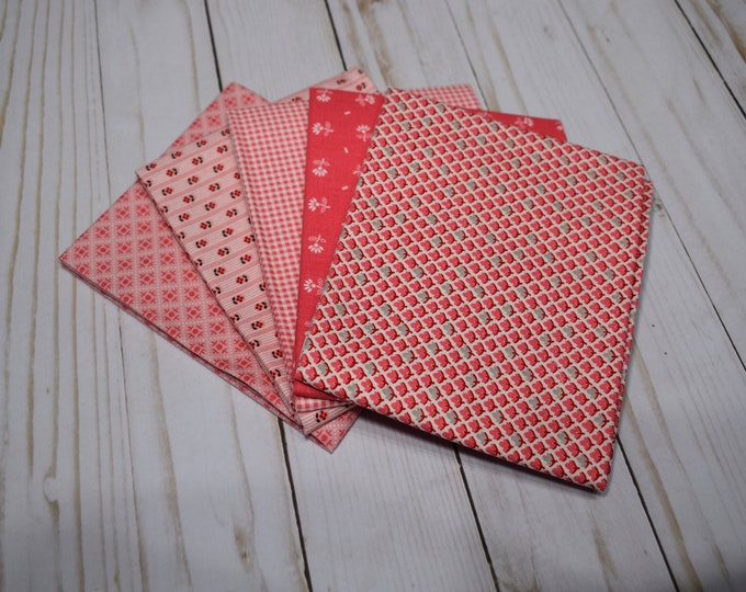 Prim - 5-Fat Quarters - Curated Bundle - by Lori Holt of Bee in My Bonnet for Riley Blake Designs - Quilting Cotton Fabric - ( PRIM-FQ-6 )