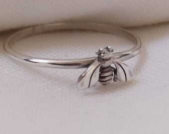 Sterling Silver Bee Ring, 925 Sterling Silver, Dainty Bee Ring, Silver Stacking Ring, Honey Bee Ring,Nature Ring,Bee Jewellery,Save the Bees
