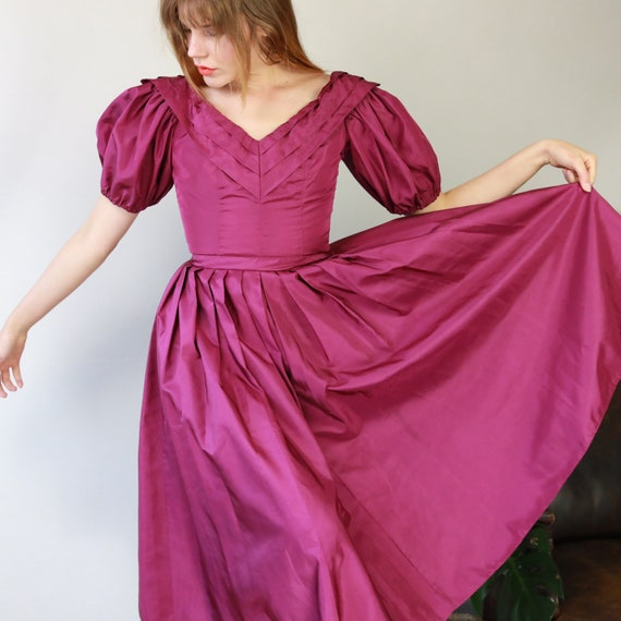 Gorgeous Vintage 50s Magenta puff sleeve evening g