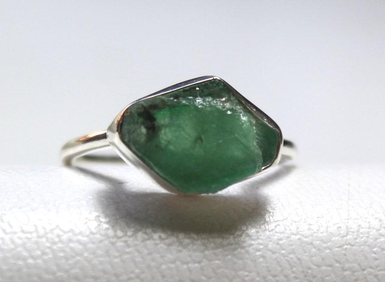 Healing Crystal Unique Ring Crystal Ring Engagement Ring Crystal Emerald Ring Natural Zambian Raw Emerald Silver Ring Birthstones Ring