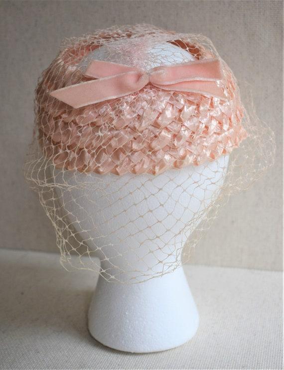 Vintage 1950s Pink Raffia Pillbox Hat - image 2