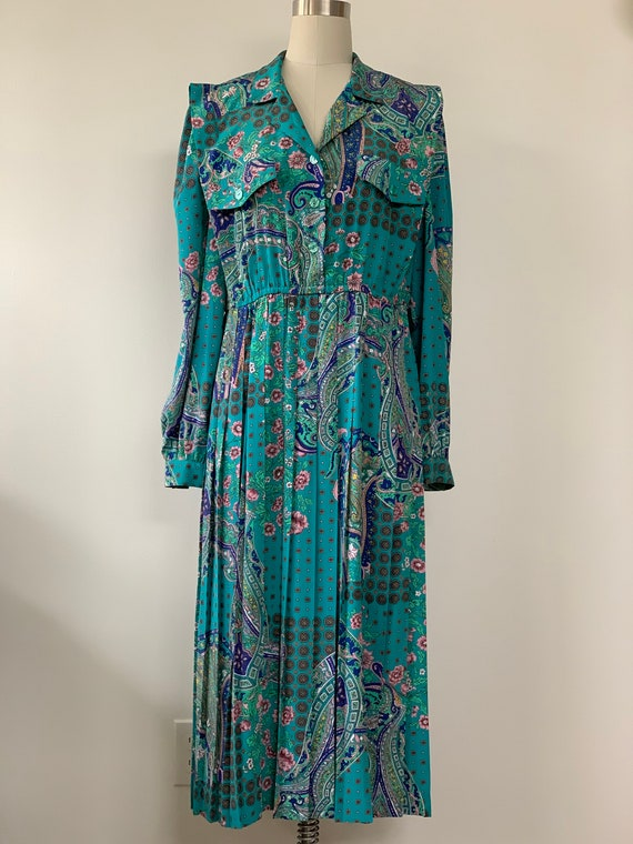 Vintage 70s Paisley print pleated shirt dress