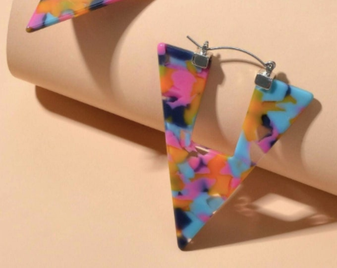 Hollow Out Triangle Shaped Earrings