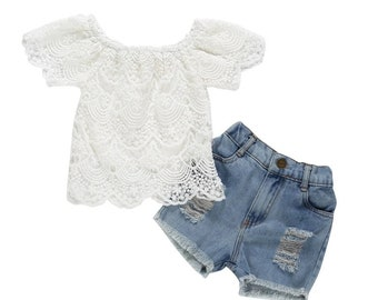 2-piece Solid Lace Top & Shorts