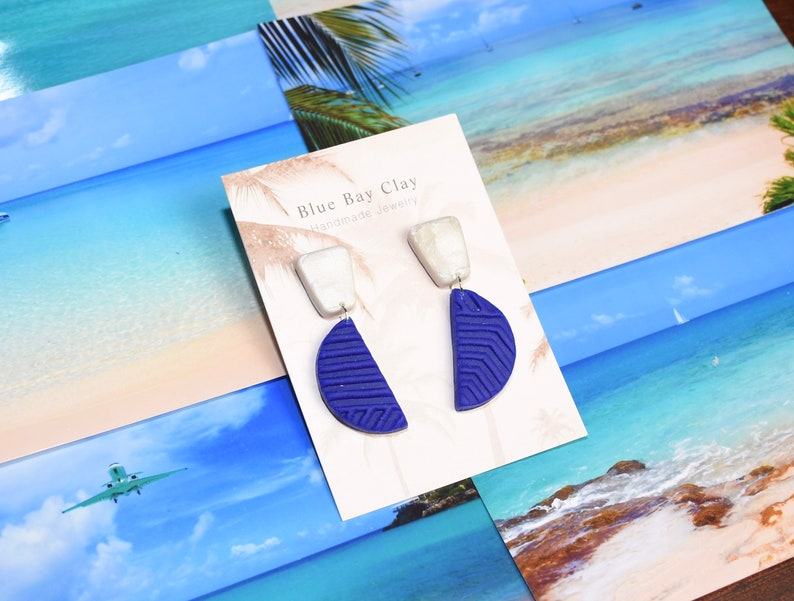 The TOPPIN  Royal Blue and White Textured Clay Statement Earrings  Kentucky Wildcats Collection