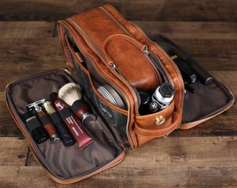 Groomsmen Gift Monogrammed Toiletry Bag, Water-Proof PU Leather Dopp Kit Shaving Kit Bag, Best Men Gift, Father's Gift, Christmas Gift
