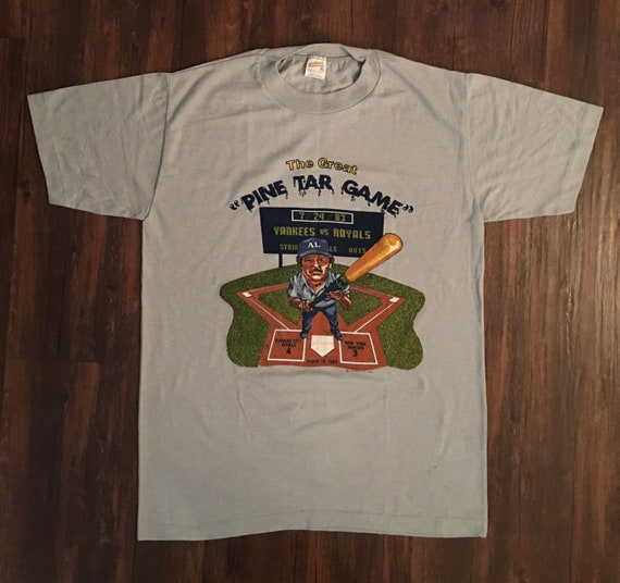 Vintage ***Kansas City Royals*** Rare 80's Tee Shi