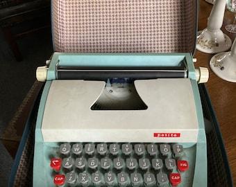Vintage Petite Typewriter in Case c 1960 Childs Portable