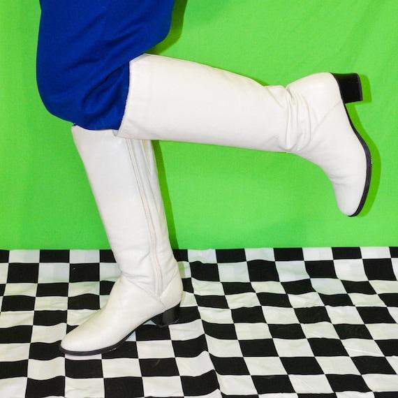 Vintage Cream Go Go Boots Size 8.5