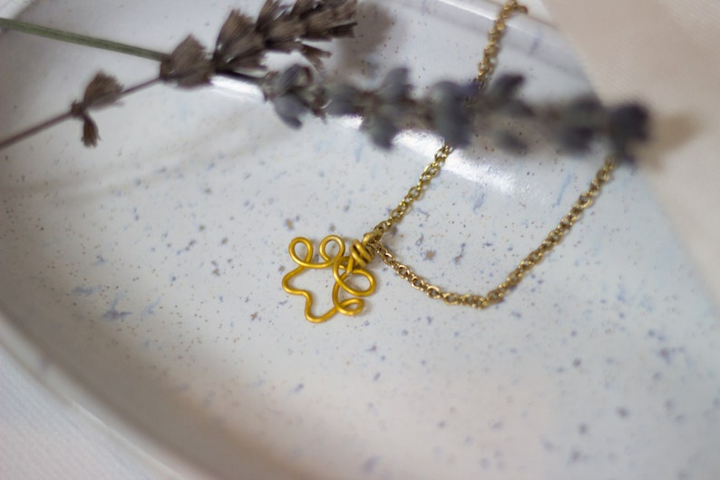 Paw One Line Necklace Gold Wire
