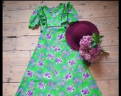 Vintage psychedelic bright floral green maxi long prairie gunne sax style dress