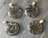 Dotted mandala pendant, handpainted dot art unique piece, unique, grey, dot painting and resin in silver version, gift