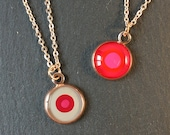 Unique, small round pendant in rose gold, 1 cm diameter, with fine chain, dots, red, pink, delicate, stylish, discreet & filigree