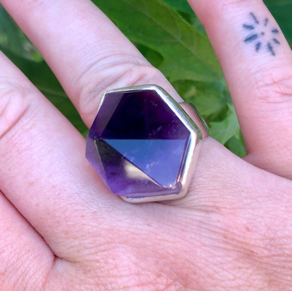 Amethyst point ring. Raw amethyst crystal. Amethys