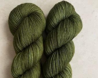Kiwifruit orchard (Punakaiki tonal) - hand dyed yarn, green