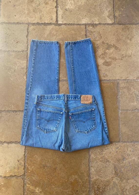 Vintage High Waisted Medium Wash Levis 501 31/32W