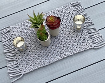 Macrame Table Centre Placemat / Runner