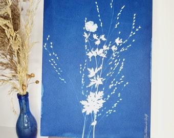 Wild geranium and grasses 2021 - Original cyanotype signed Les Bleus de Delf - Format A4 (21x 29.7 cm).