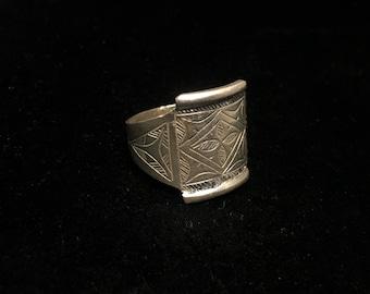 silver ring Tuareg ring tribal ring - Size 7.5 Vintage style Berber enamelled silver ring Turkmen ring kochi ring Sahara ring