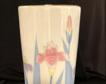 late 70s early 80s Classic White LENNOX Vase with high relief IRISES Home Decor Floral