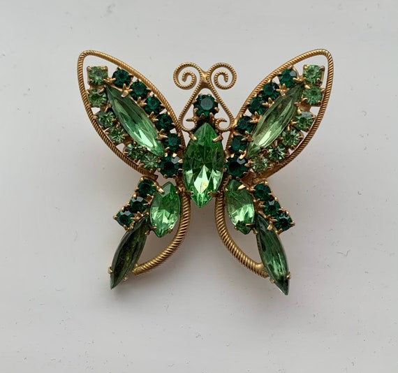 Vintage Gold Tone Butterfly Brooch Pin with Teardrop Green Stone