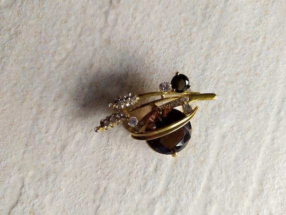 Gold tone Large Crystal Vintage Brooch | Ears Rhin