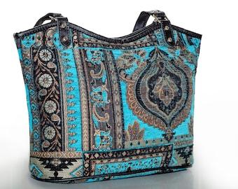 Decorative Kilim Bag 10x10 inches Vintage Kilim Bag Anatolian Bag Shoulder Bag Tasseled Bag Beaded Handbag Ladies Accessories Kilim Handbag