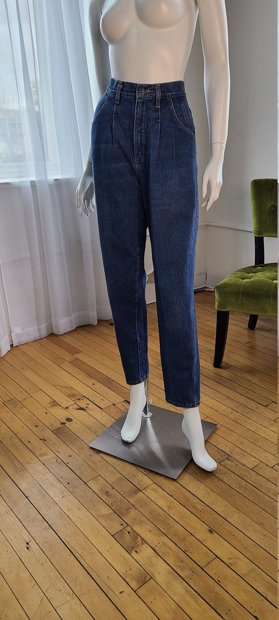 stone blue high waisted pleated jeans | pleated mo