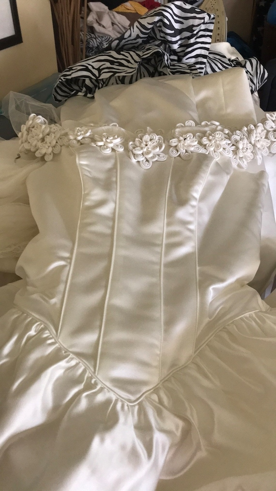 Wedding Gown - image 6