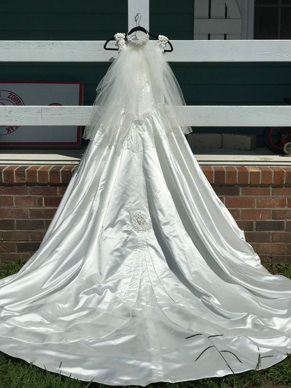 Wedding Gown - image 7