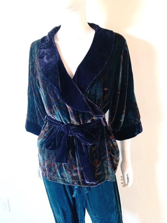 Cabernet 2-Piece Set Velvet Colorful Robe Top W/ W