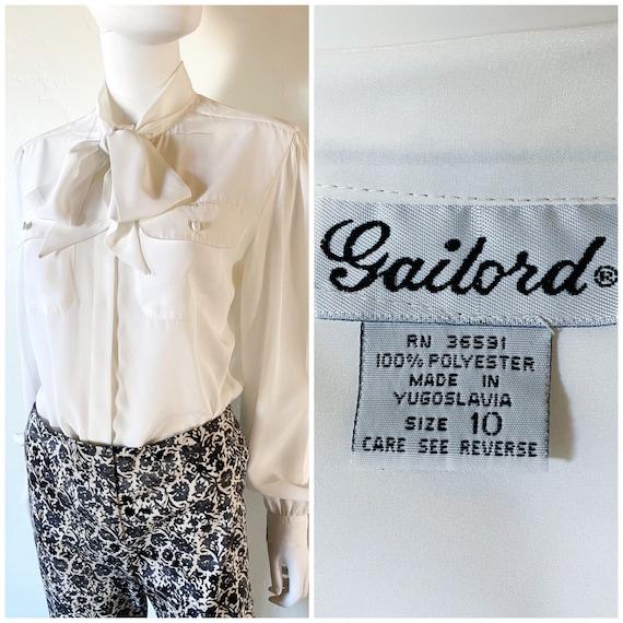 It/'s Gailord Vintage Floral Print Button Down V Neck Blouse