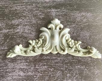 EFEX Flower and Leaf Pediment, Moulding, Historic Moulding, Silicone Moulding, Embellishment , Furniture Restoration , FREE SHIPPING