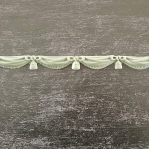8.6 x 8.9 cm Decorative Four petal AppliqueWoodubend furniture Molding SKU 2158  bendable when heated