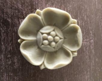 EFEX Poppy Rosette, Moulding, Historic Moulding, Silicone Moulding, Embellishment , Furniture Restoration , FREE SHIPPING