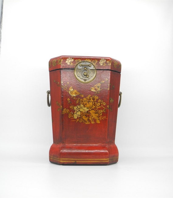 Vintage Hand Carved Chinese Red box, Chinese box,