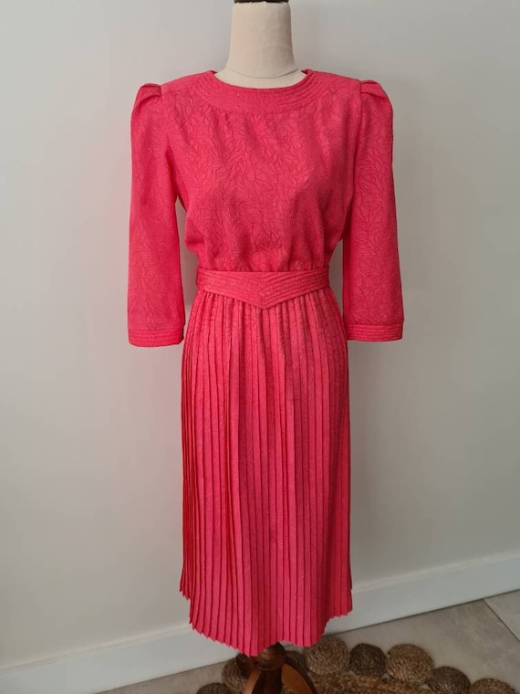 80s Does 50s Pink Patterned Pleated Skirt Dress