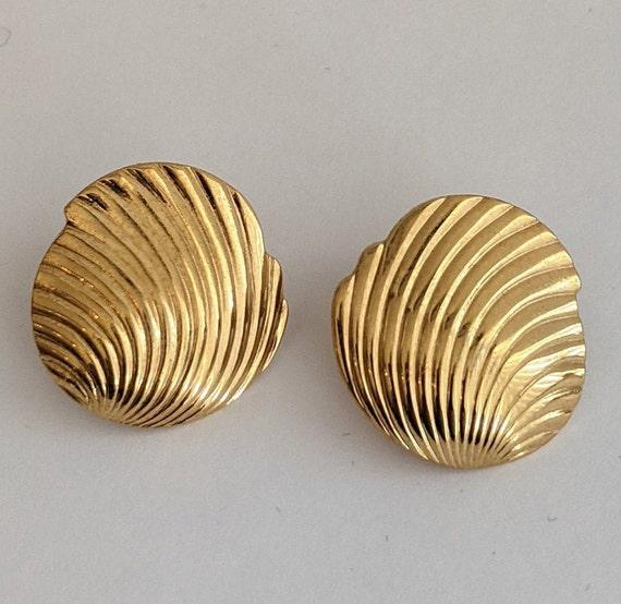 Vintage Monet Shell Stud Earrings Ornate Goldtone… - image 1